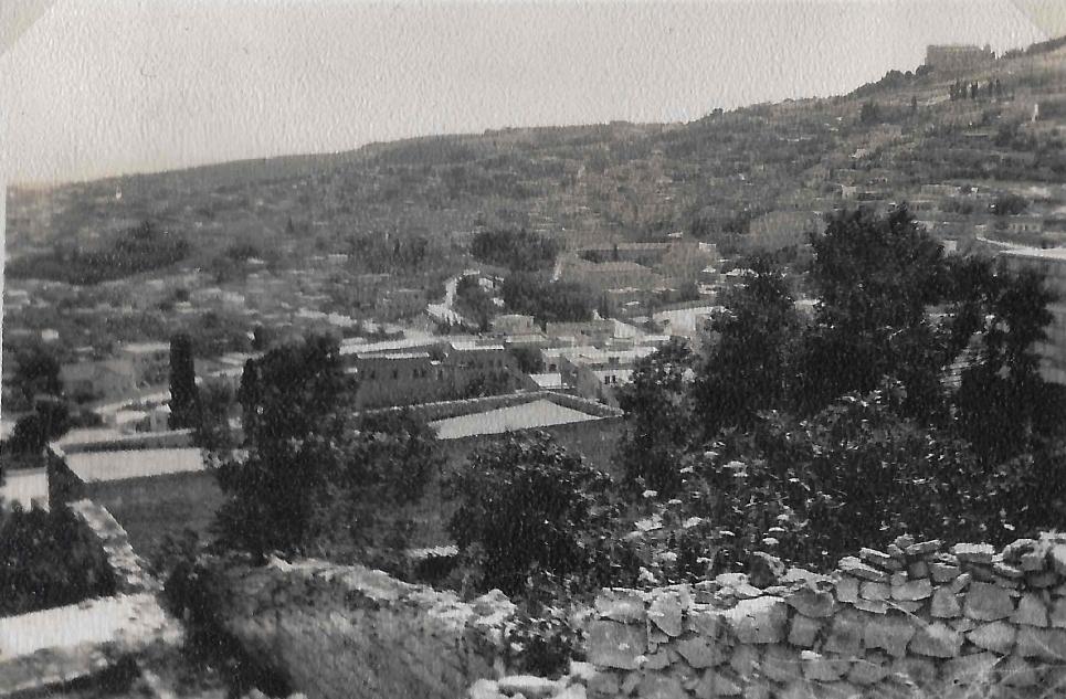 لمدينة الناصرة من تلة مجاورة عام 1946.jpg