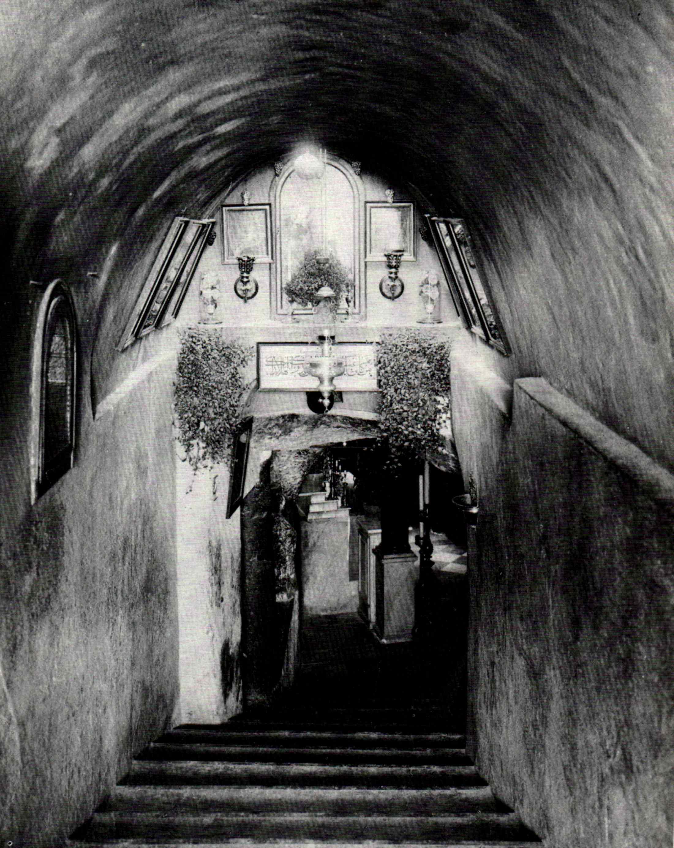 Milk Grotto _1900.jpg
