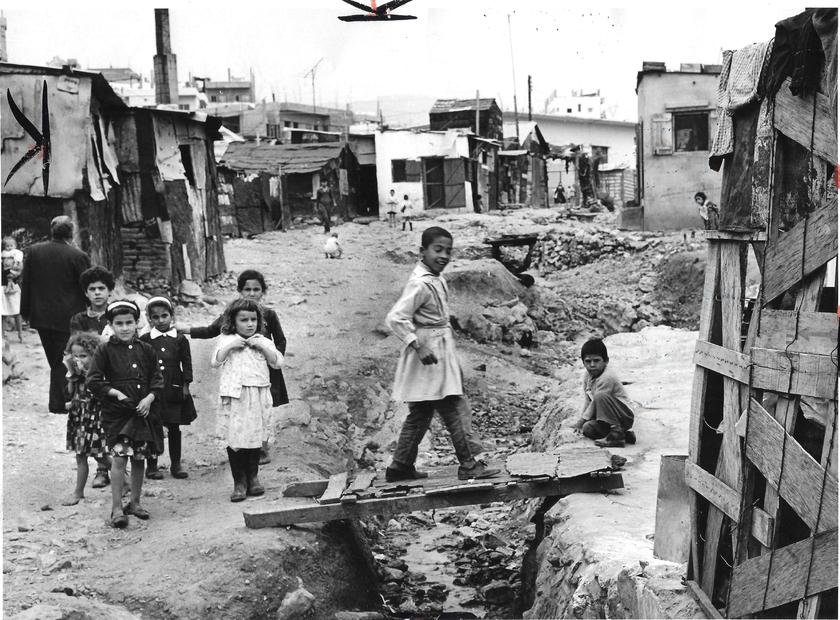 الدكوانة بالقرب من بيروت في لبنان عام 1969.jpg
