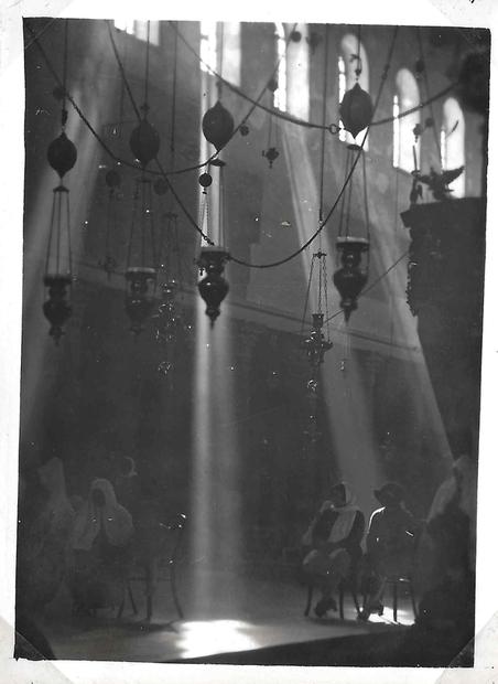 الميلاد في كنيسة المهد - بيت لحم.jpg