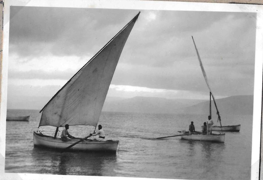 صيد في بحيرة طبريا عام 1900.jpg